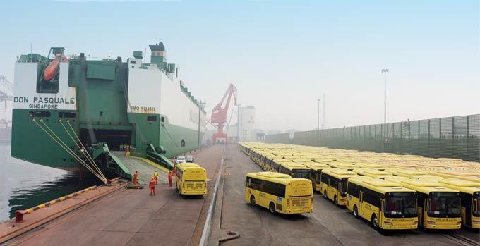 2014年,中通客车一次性出口沙特2186台客车