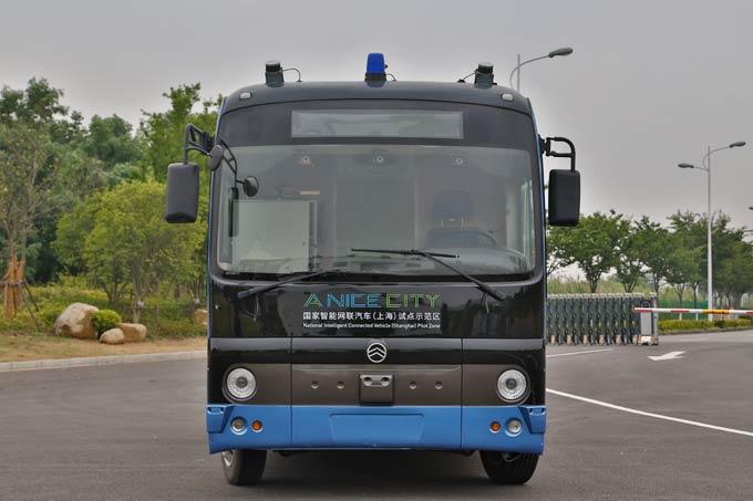 金旅第一代无人驾驶客车