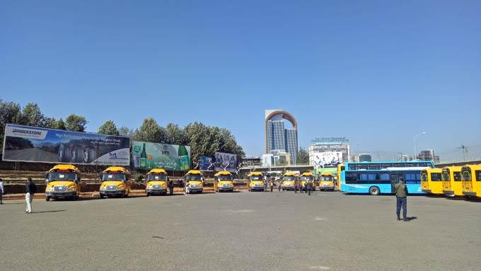 非洲本土第一批校车KD项目